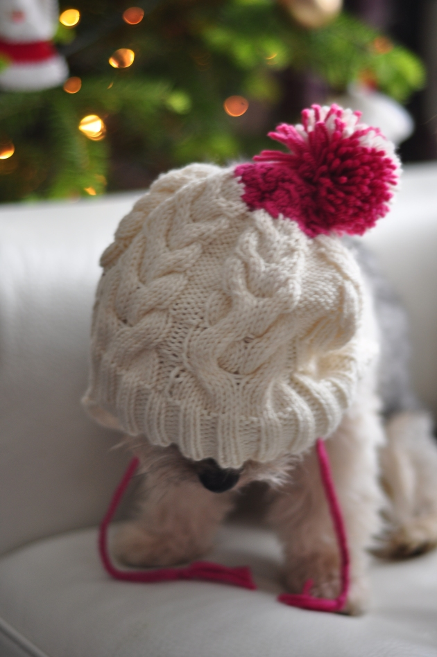 Knitting cable hat