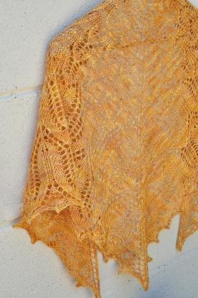 Sunflower shawl 037
