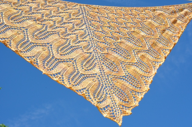 Sunflower shawl 055