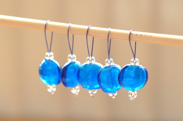 10 Gifts for Knitters (curated by a knitter) Stitch markers